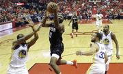 Rockets thắng đậm Warriors, cân bằng tỷ số chung kết miền Tây NBA