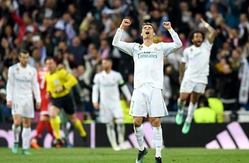 Ronaldo vẫn được CĐV Man Utd yêu mến, dù hiện khoác áo Real Madrid. Ảnh: PA.