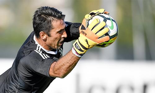 Buffon quyết định dừng lại ở tuổi 40 vì không muốn anh bị xem như gánh nặng của Juventus.