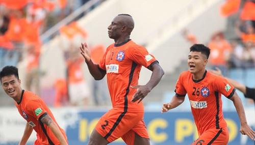 Ewonde được khán giả Đà Nẵng tung hô với màn trình diễn trước TP HCM. Ảnh: Anh Khoa.