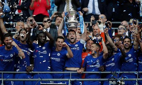 Chelsea giành Cup FA sau một mùa giải gây thất vọng ở Ngoại hạng Anh. Ảnh: Reuters.