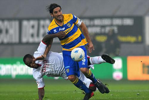 Lucarelli không có một sự nghiệp lẫy lừng tính bằng các danh hiệu, nhưng chặng đường đã qua của anh với Parma sẽ là câu chuyện được nhắc mãi.