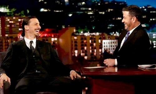 Ibrahimovic tự tin suốt buổi talk show với MC nổi tiếng Jimmy Kimmel. Ảnh: JK.