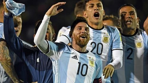 Messi tỏa sáng giúp Argentina giành vé dự World Cup 2018. Ảnh: AFP.