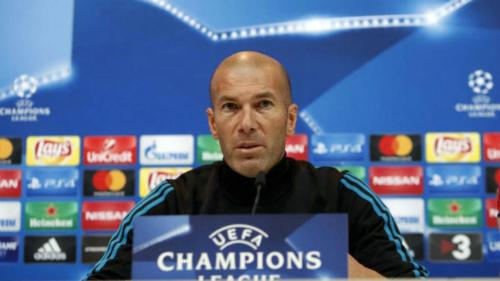 HLV Zinedine Zidane trong buổi họp báo. Ảnh:UEFA.