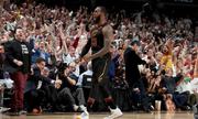 Lebron James tỏa sáng, Cavaliers cân bằng tỷ số chung kết miền Đông