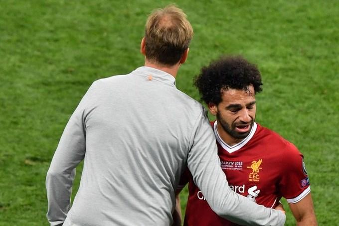 Salah rơi nước mắt khi rời sân sớm ở chung kết Champions League