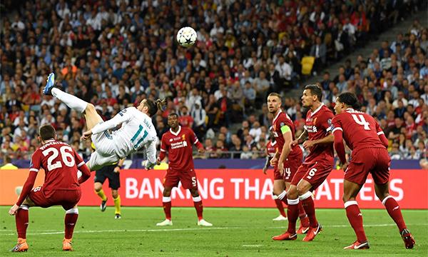 Bale trong tình huống ghi bànđẹp mắt,tạo ra bước ngoặt thuận lợi cho Real Madrid. Ảnh: UEFA.