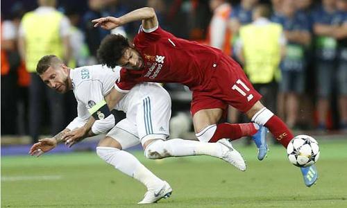Salah trật khớp vai, có nguy cơ lỡ World Cup