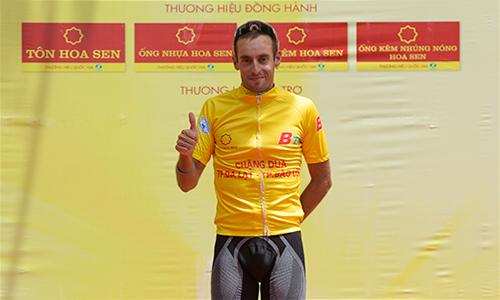 Sarda Javier lần đầu tiên giành Áo Vàng chung cuộc một giải đấu ở Việt Nam. Ảnh: Trần Đình Tài.