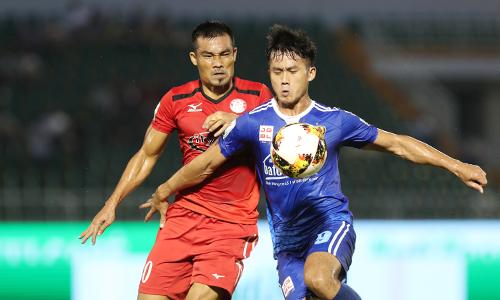 Các cầu thủ TPHCM trải qua năm trận đấu liên tiếp ở V-League chỉ có một điểm. Ảnh: Đức Đồng.