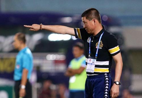 HLV Chu Đình Nghiêm cho biết ngoài kết quả, Hà Nội còn phải duy trì lối chơi đẹp mắt. Ảnh: Lâm Thỏa