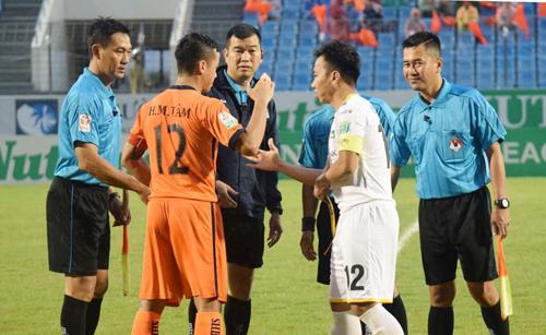 SLNA cho rằng trọng tài Phương Nam và các cộng sự đã bắt không tốt trên sân Hòa Xuân.