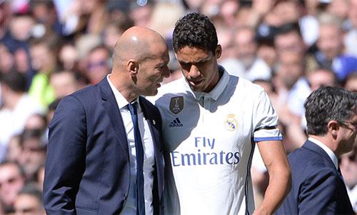 Varane giành được một loạt danh hiệu dưới sự dẫn dắt của Zidane. Ảnh: Reuters