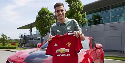 Dalot là sự thay thế cho Valencia và Darmian trong đội hình Man Utd. Ảnh: MUFC.