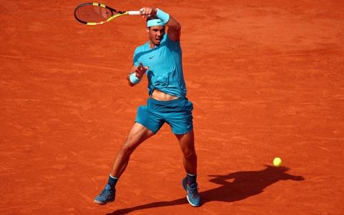 Nadal quá hay và ổn định trên mặt sân đất nện. Ảnh: AFP.