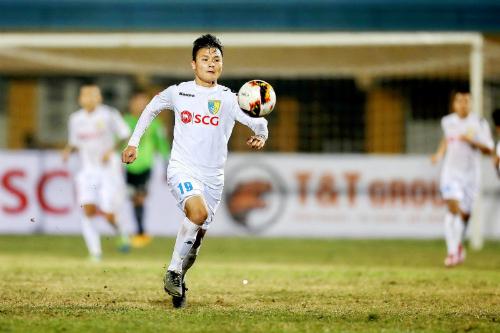 Quang Hải giúp Hà Nội có chiến thắng thứ sáu liên tiếp. Ảnh: TNO.