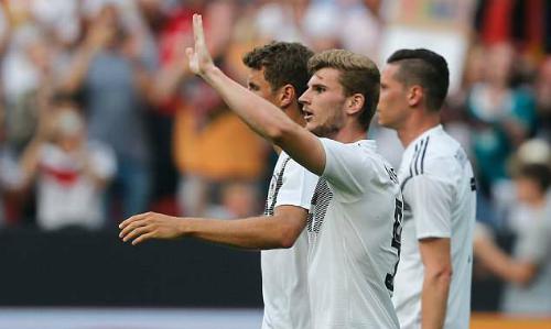 Werner mừng bàn mở tỷ số. Ảnh: AFP.
