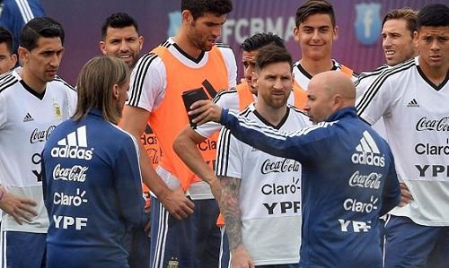 Messi và đồng đội không có sự chuẩn bị tốt cho World Cup. Ảnh: Minutouno.