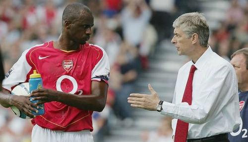 Vieira và HLV Wenger là hai nhân vật chủ chốt trong giai đoạn thành công của Arsenal cuối thập niên 90 tới những năm đầu thế kỷ 21. Ảnh:AFP.