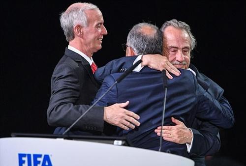 Lãnh đạo Mỹ, Mexico và Canada chúc mừng nhau. Ảnh: AFP.