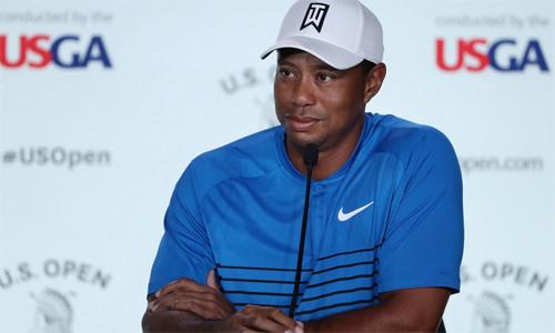 Tiger Woods gây ngạc nhiên cho các phóng viên khi tiết lộ sống trên du thuyền trong một tuần diễn ra US Open. Ảnh: Golfweek.