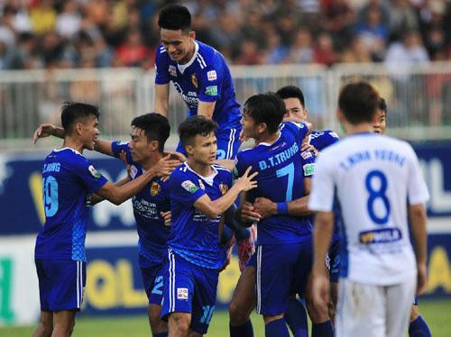 Từ phút 79 đến 88 Quảng Nam ghi hai bàn để lội ngược dòng đánh bại HAGL.