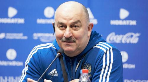 HLV Cherchesov không được lòng nhiều tuyển thủ Nga. Ảnh: FFT.