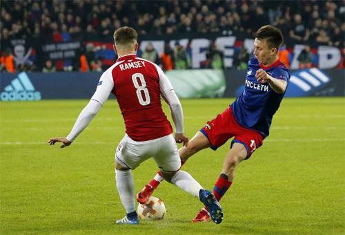 Golovin từng gây ấn tượng mạnh với HLV Wenger qua hai trận CSKA Moscow - Arsenal ở Europa League mùa vừa qua. Ảnh: AP.