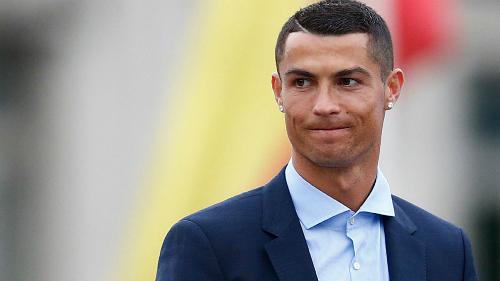 Ronaldo phải trả tiền phạt trốn thuế gấp hàng chục lần Messi. Ảnh: Marca.
