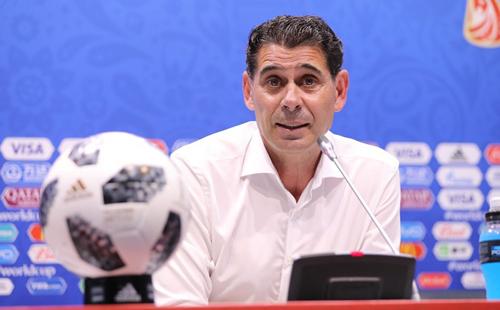 HLV Hierro cho biết giữ nguyên lối chơi của Tây Ban Nha như dưới thời người tiền nhiệm Lopetegui.