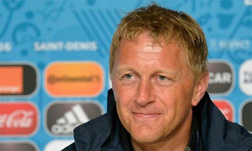 Hallgrimsson và Icelandkhông dễ chấp nhận thất bại. Ảnh: Reuters