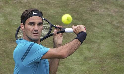 Federer đứng trước cơ hội đòi lại ngôi số một từ tay Rafael Nadal. Ảnh: AP.