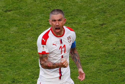 Niềm vui của Kolarov khi ghi bàn thắng đầu tiên cho Serbia ở World Cup 2018. Ảnh:Reuters.