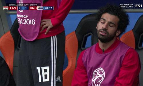 Salah thất vọng khi chứng kiến Ai Cập để thua Uruguay.