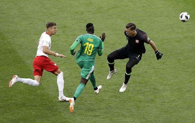 Bàn thắng như được tặng của tiền đạo Senegal