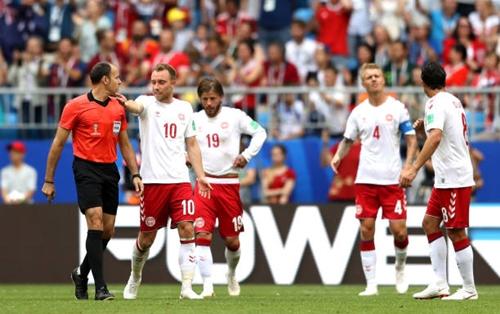 Đan Mạch không hài lòng với kết quả hòa. Ảnh: AFP.
