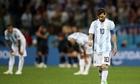 Simeone ám chỉ Messi kém tài Ronaldo, chê bai HLV Sampaoli