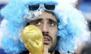CĐV Argentina gặm nhấm nỗi buồn bại trận