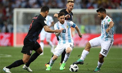 Để vô hiệu hóa Messi, Croatia chỉ cần hạn chế số lần tiếp xúc với bóng. Ảnh: Reuters