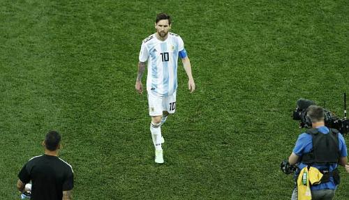 Messi mờ nhạt trước Croatia. Ảnh: EPA.
