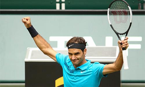 Federer đang đi đúng lộ trình trên đường giành danh hiệu thứ 99 trong sự nghiệp. Ảnh: AP.