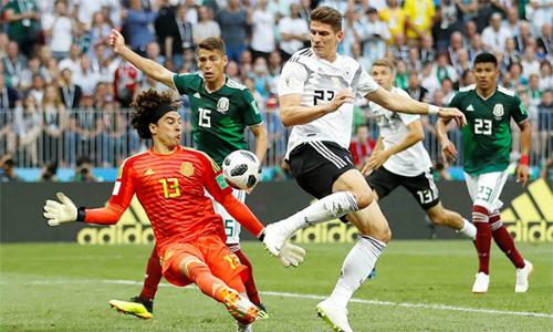 Gomez có thể sẽ được đá chính trước Thuỵ Điển, vì đàn em Timo Werner vừa gây thất vọng trong trận ra quân.