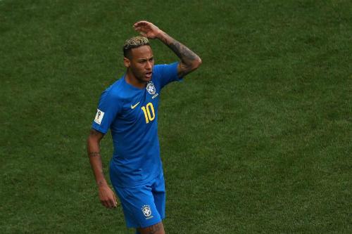 Neymar gặp áp lực khổng lồ. Ảnh: Reuters.