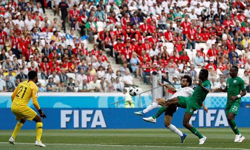 Bàn thắng thứ hai liên tiếp ở World Cup 2018 của Salah. Ảnh:Reuters.