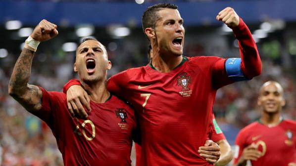 Những bàn thắng của các cầu thủ kỳ cựu là Ronaldo và Quaresma đã đưa Bồ Đào Nha vào vòng loại trực tiếp. Ảnh:FIFA.