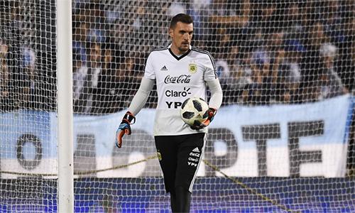 Armani đến từ River Plate và chưa từng bắt ở tuyển Argentina lần nào. Nhưng hôm nay, anhcó thể sẽ được trao cơ hội bắt chính trước Nigeria.