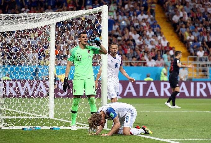 Hành trình trở về từ cõi chết của tuyển Argentina