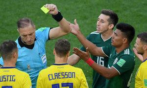 Cầu thủ Mexico nhận thẻ nhanh nhất lịch sử World Cup