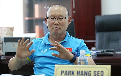 HLV Park Hang-seo vui với chiến thắng trước Đức, nhưng tiếc vì Hàn Quốc đã không chơi tốt ở hai trận đầu vòng bảng World Cup 2018. Ảnh: Lâm Thỏa.